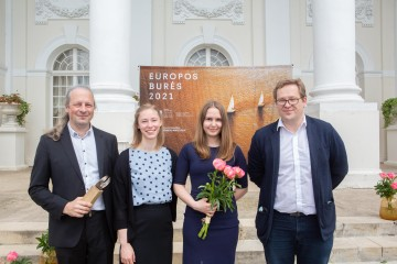 From left are Julius Gagilas, director of Diagnolita, Vaida Kurmauskaitė, researcher, Ieva Ašmenavičiūtė, medical geneticist, and Aurimas Želvys, director of LVPA. Photo by Martynas Sirusas
