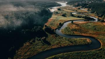 Jau antra vasara, kuomet daugybė, dėl pasaulį sukausčiusios pandemijos, pasirinko atostogas Lietuvoje ir džiaugiasi iš naujo atrasdami savo kraštą bei gražiausias jo vietas.