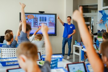 """""""Robotikos akademija"""" šiuo metu kuria išmanią personalizuotą vaikų ir jaunimo ugdymo sistemą"""